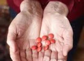 Quali medicinali possono causare la depressione negli anziani?