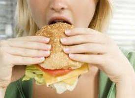 Depressione e cibi iper-calorici: un legame pericoloso