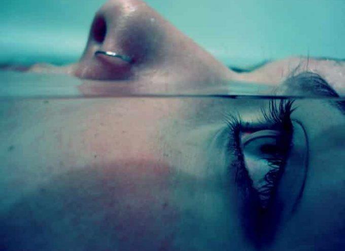 Il suicidio rimane un problema anche tra gli adolescenti in cura