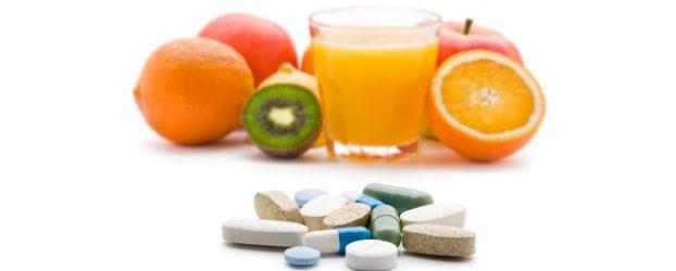 È vero che bere il succo di pompelmo può interferire con i farmaci?